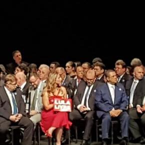Deputada eleita teve placa em favor de Lula censurada pelo cerimonial do TRE deMinas