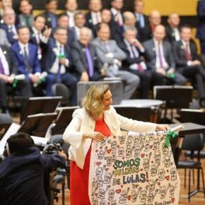 """Maria do Rosário reage às vaias em diplomação: """"Símbolo de arminha não vai meassustar"""""""