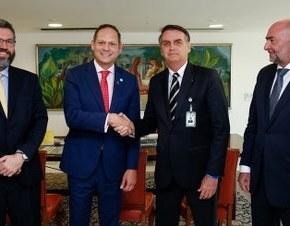 Apoio de Bolsonaro à oposição venezuelana coloca Brasil em risco de guerra, dizFuser