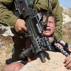 Governo de Israel mantém pelo menos 290 crianças palestinaspresas