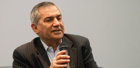 Governo é 'força militar mais sistema financeiro', diz GilbertoCarvalho