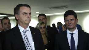 Moro que condenou Lula sem provas vai fazer o que com as provas contra osBolsonaro?