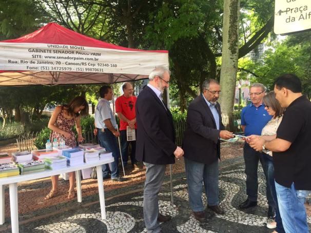 Quando esta em Porto Alegre, o próprio Senador faz questão de participar das bancas do CIPP n RUA