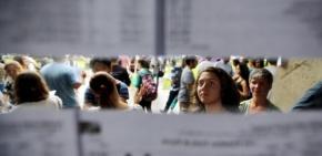 """FIES esvaziado  reduz opções para Classe média e trabalhadores e Ministro diz que Universidade é mesmo """"para umaelite"""""""