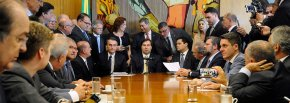 Para acabar com aposentadoria e previdência social pública, deputados receberão R$ 10 milhões porcabeça