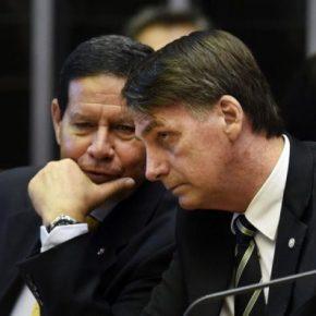 O Brasil entre um pervertido e um censor (Por CarlosFernandes)