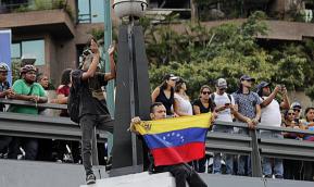 Jornalista estadunidense denuncia mentiras criadas pela imprensa para atacar aVenezuela