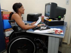 Bolsonaro quer obrigar pessoas com deficiência a trabalhar mais 15anos