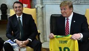 """""""Submissão explícita"""" aos Estados Unidos, diz Celso Amorim sobre entregas de Bolsonaro aTrump"""