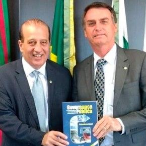 """Bolsonaro contrata ministro do TCU investigado por corrupção para aulas de """"boas práticas degovernança"""""""