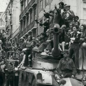Há 45 anos os portugueses derrubavam a Ditadura fascista deSalazar