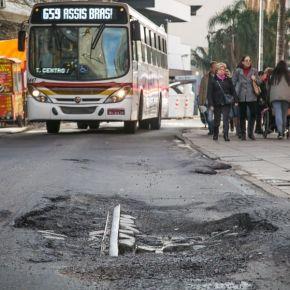 """Porto Alegre: Prefeitura anuncia """"lucro"""" milionário, cortando dinheiro em educação, Saúde e outrasáreas"""