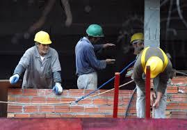 Construção civil foi o setor que mais demitiu trabalhadores em março na Região Metropolitana de PortoAlegre