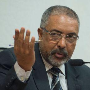 """""""A reforma da previdência não poupa ninguém: negros, idosos, mulheres"""", afirma senador PauloPaim"""