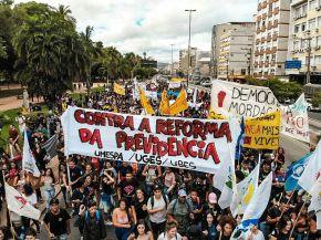 #15M e o retorno da política às ruas. Algumasanálises