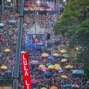 No Festival Lula Livre, mais de 50 mil ouvem leitura da Carta de Lula  aos participantes e aopovo
