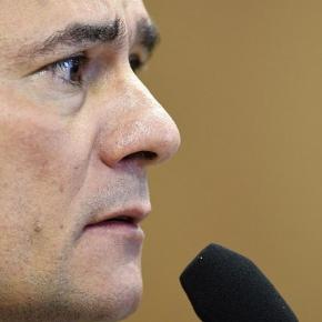 Em editoriais, Folha e Estadão abandonam Moro e sugeremrenúncia