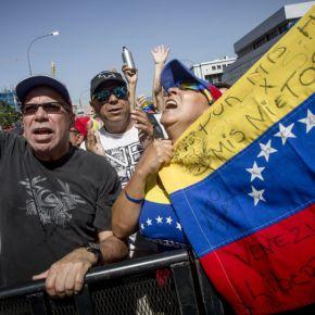 Inteligência russa: Washington está testando novo tipo de guerra híbrida naVenezuela