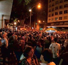 Ato na ABI tem multidão em defesa de Glenn, da imprensa e dademocracia