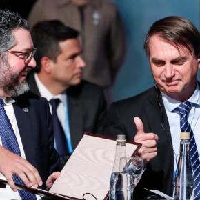 VERGONHA: Bolsonaro deixa presidentes sem reação com provocações e gafes em discurso noMercosul