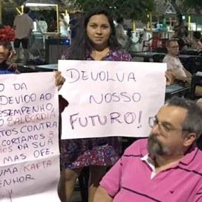 Ativistas escracham Weintraub noPará!
