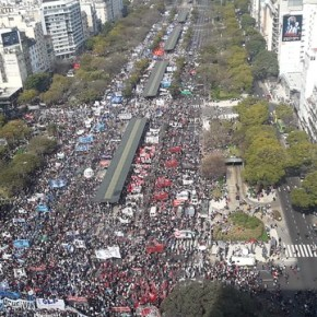 Macri quebra Argentina e vai ao FMI e o Povo vai as ruas  em jornada de manifestações contra a Fome e aCarestia