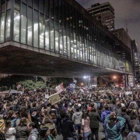 Bolsonaro: Um (des) Governo em Desconstrução? (Por ArnobioRocha)