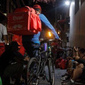 """12h por dia, 7 dias por semana, R$ 936: como é pedalar fazendo entregas por aplicativo. Trabalho ou escravidão """"moderna""""?"""