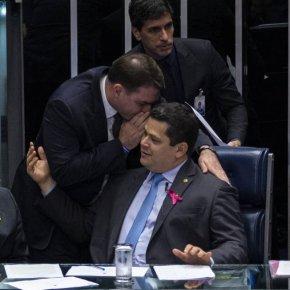 """Senadores usam Abono Salarial pra mandar""""recado"""" ao Governo: Querem 30% do butim da privataria do petróleo doPré-Sal"""