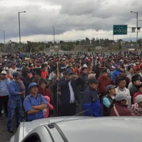 Revolução no Equador? Indígenas marcham rumo ao palácio presidencial em Quito (Vídeo) e escorraçam a Polícia e o exército dasruas
