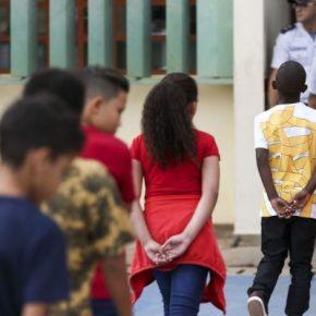 'Escola não é caserna': modelo cívico-militar criminaliza educadores e custacaro