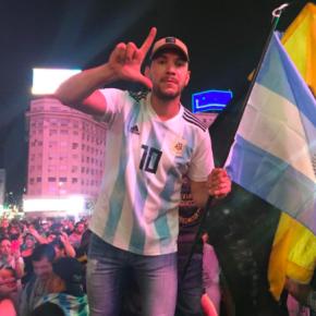 """Povo Argentino grita """"Lula livre"""" na comemoração da vitória deFernández"""