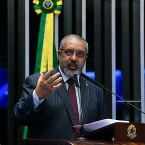 Senador Paim pede que prefeitura de Porto Alegre não descaracterize MercadoPúblico
