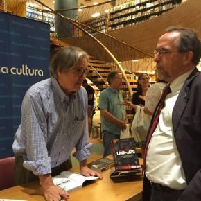 Entre Paulo Moreira Leite e Ciro Gomes, eu fico com o 1º, militante Contra a Ditadura e pela Democraciasempre!