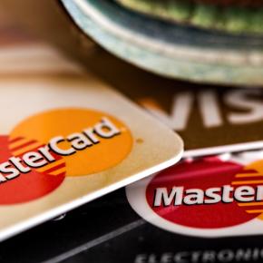Argentina limita operações com cartão de crédito no exterior . Hora de conter a evasão dedivisas!