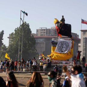 """Governo do Chile quer dar """"aumento"""" pra aposentados deixarem de ser miseráveis e virem pobres. O Brasil é o Chileamanhã!"""