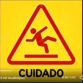 """Cuidado !! Jamais dobre a Direita. Vídeo didático sobre """"trânsito"""" na AméricaLatina"""