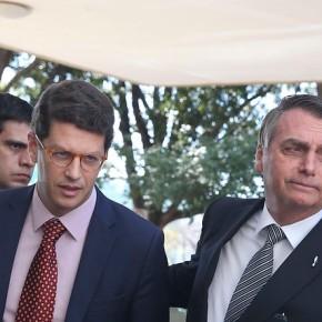 Em meio à crise ambiental, Ricardo Salles enfrenta CPI, liminares e protestos narua