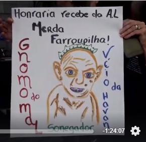 """Luciano Hang, o """"véio da Havan"""", toma escracho em Porto Alegre (Vídeo efotos)"""