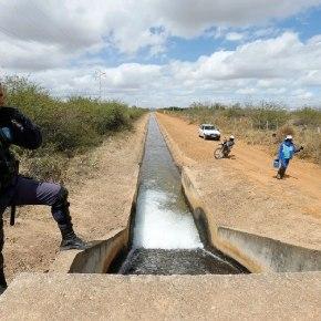 O Brasil à beira do apartheid hídrico. Parte da nossa água já esta privatizada e cada vez mais gente fica sem acesso aela