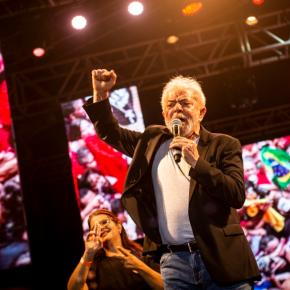 É urgente defender a democracia, diz Lula após Bolsonaro apoiar ato contra oCongresso