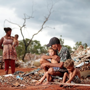 Bolsonaro e Osmar Terra escondem aumento da pobreza no Brasil: 1 milhão e 700 mil esperam na fila do BolsaFamília