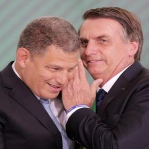 Vídeo: Bebianno Sugere Que A Farsa Da Facada Foi Armada Por Carlos Bolsonaro E OPai