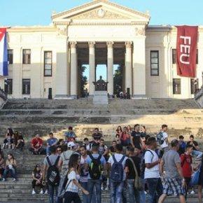 Coisa de Comunista: Cuba assegura Ensino Superior a todos os alunos doSecundário