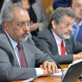 """Paim e Paulo Rocha entram com Mandado de Segurança contra MP 905 aprovada """"na calada da noite"""" noSenado"""