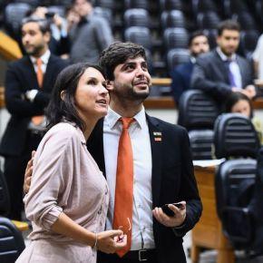 Vereadores votam contra projeto que obrigava uso de máscaras e álcool gel no Comércio de PortoAlegre
