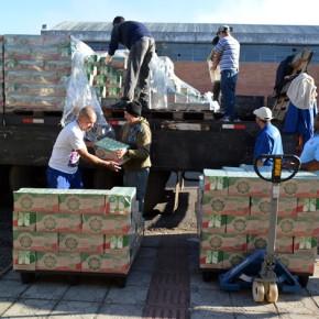 Sem Terra doam 50 mil litros de leite para Banco de Alimentos deSC
