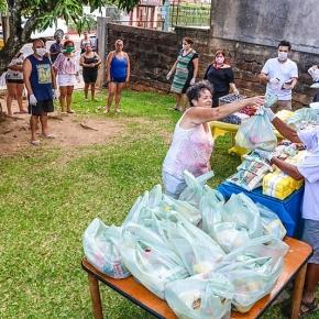 MST doa 12 toneladas de arroz orgânico para combate à fome em meio à pandemia noRS