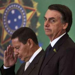 Bolsonaro e Mourão têm três dias para prestar informações em ações noTSE