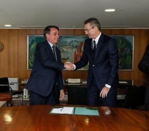 Posse do diretor da PF às escondidas só confirma intervenção de Bolsonaro. E aí STF? Amigo não pode, mas amigo do amigopode?